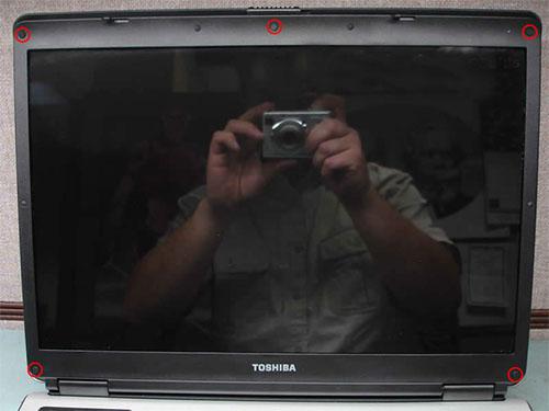 sửa màn hình laptop toshiba