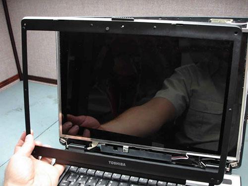 thay màn hình laptop toshiba chính hãng