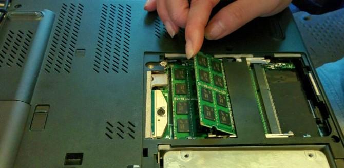 cài đặt RAM laptop