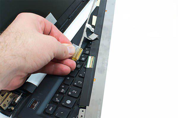 sửa cáp màn hình laptop tại cần thơ